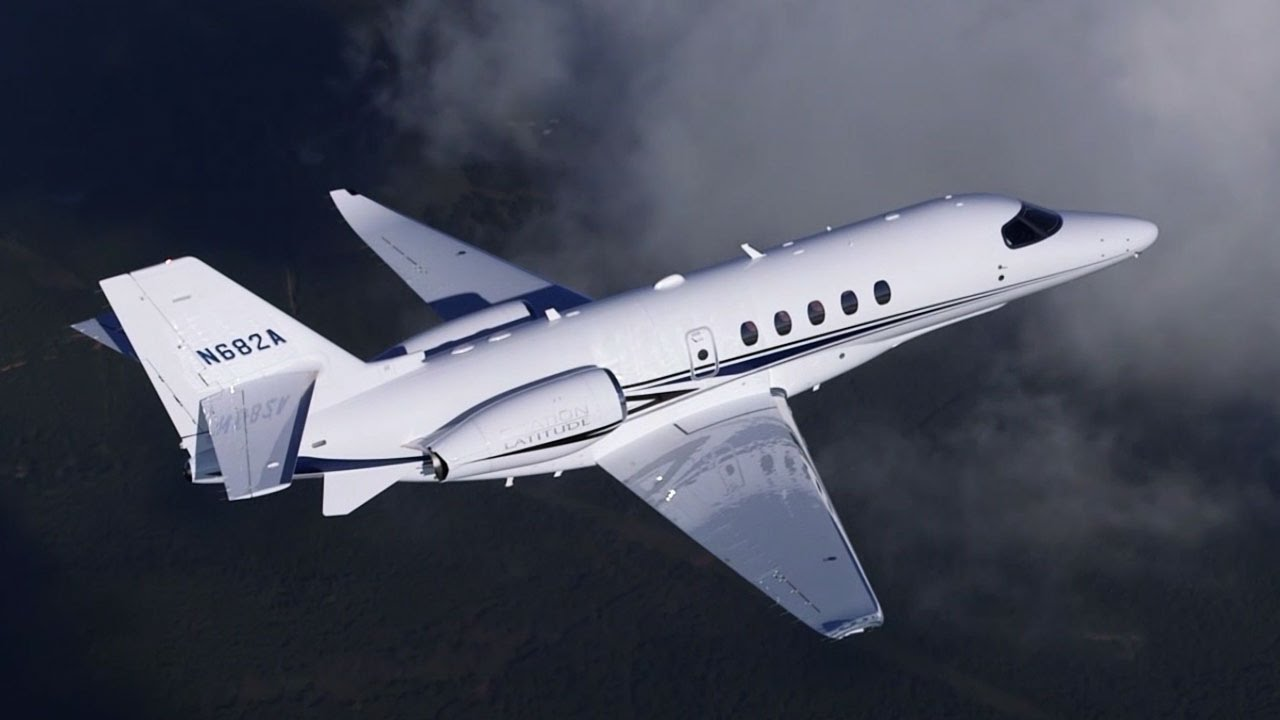 9-местный бизнес-джет Cessna Citation Latitude